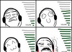 Enlace a Por alguna extraña razón, siento placer con la música al máximo de volumen