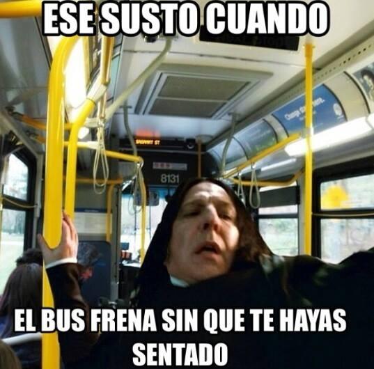 Meme_otros - Ese frenazo traicionero de autobús