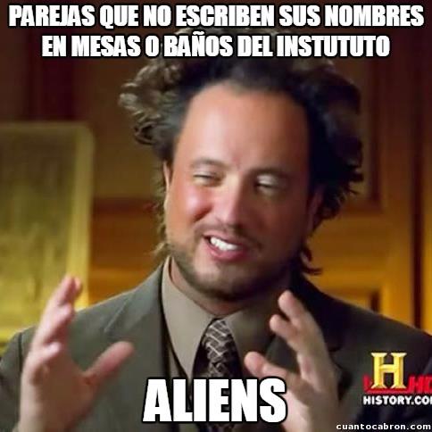 Ancient_aliens - Todo el instituto lleno de sus marcas de amor