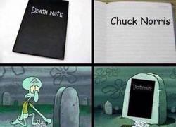 Enlace a Solo la Death Note podía acabar con Chuck Norris, ¿no?