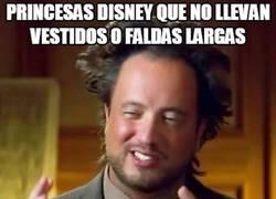 Enlace a Todas las princesas Disney suelen llevar vestidos o faldas largas excepto una...