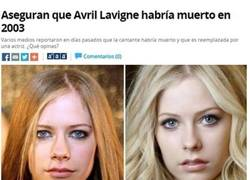 Enlace a ¿Avril Lavigne sigue viva?