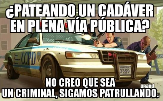Meme_otros - Policías del GTA y sentido común no pueden estar juntos