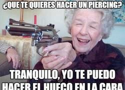 Enlace a Las abuelas no son amantes de los piercings...