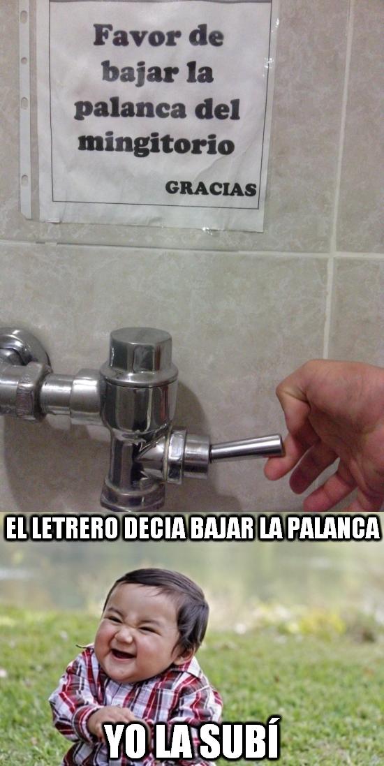 Nino_malvado - Maldad hasta en el baño