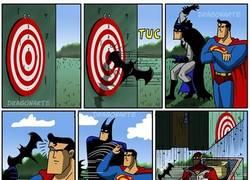 Enlace a Por eso no hay que darle nada afilado a Superman