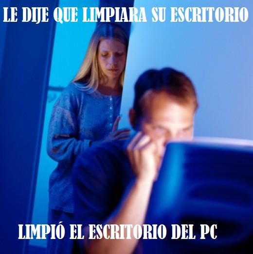 Marido_internet - Y así limpia el escritorio un Gamer