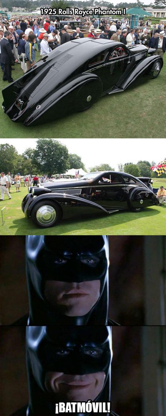 Meme_otros - El Batmóvil de los domingos de Batman