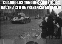 Enlace a Los soviéticos llegan a Berlín