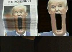 Enlace a Trump es un bicho malvado de Doom