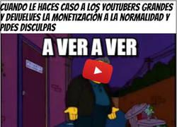 Enlace a Youtube bajándose los pantalones..