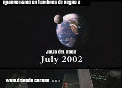 Enlace a Anacronismo en Men in Black 2