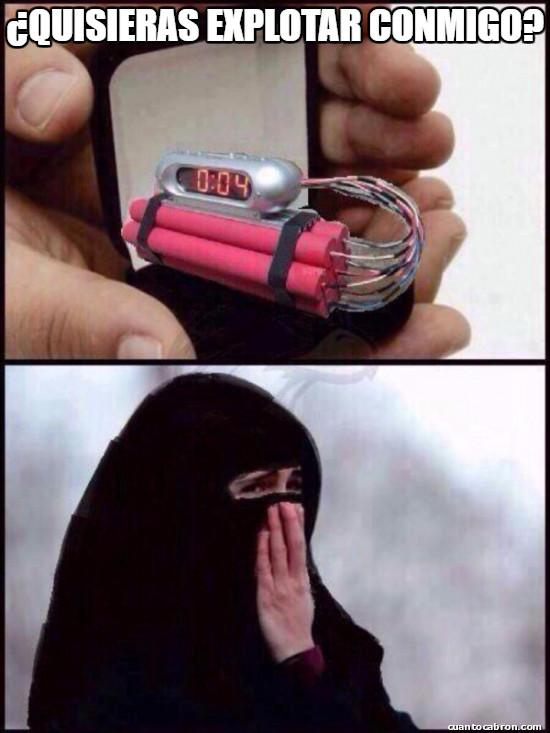 amor,anillo,broma,explotar conmigo,hombre,matrimonio,mujer,musulmanes,niqab,propuesta,quisieras,ropa,suicidas,vestimenta