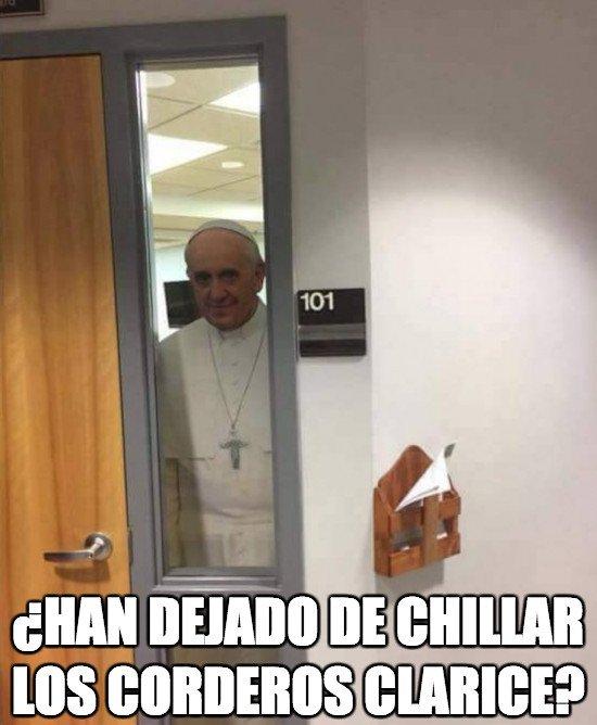 Meme_otros - El Papa Francisco da mucho miedo