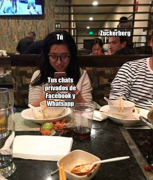 Meme_otros - Zuckerberg no puede evitarlo ya