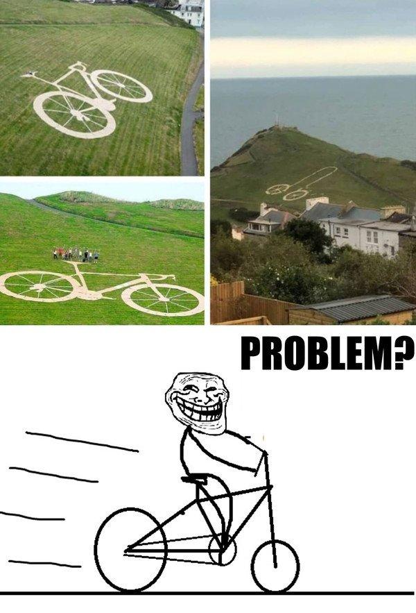 Trollface - En este pueblo se despertaron y no saben quién convirtió la bici en la ladera en...