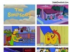 Enlace a La historia de Marge Simpson como nunca antes la habías visto