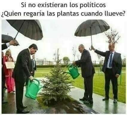 Meme_otros - Los salvadores de los políticos