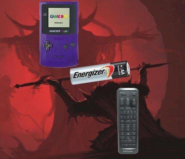 Meme_otros - Siempre era la pila sacrificada para la Game Boy