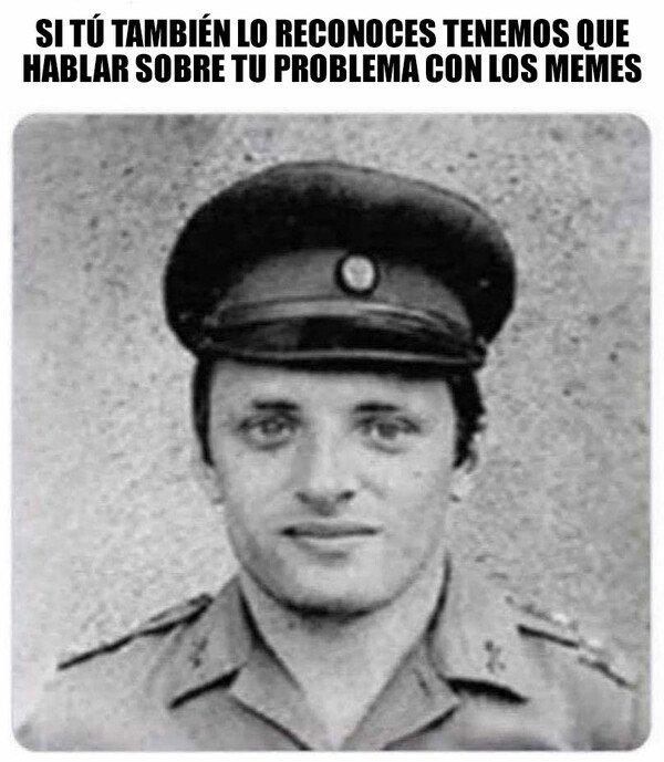 Meme_otros - ¿Qué escondes?