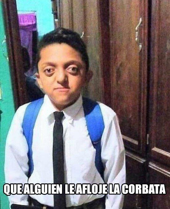 Meme_otros - Que alguien le afloje la corbata