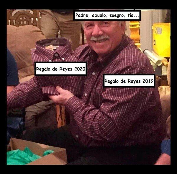 Meme_otros - Siempre le tocan a ellos recibir cada año los mismos regalos...