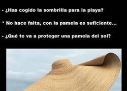 Enlace a Esa pamela protege igual o más del sol que una sombrilla...