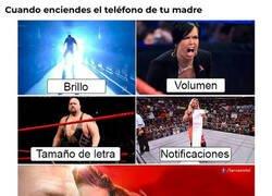 Enlace a La WWE representa el teléfono de mi madre