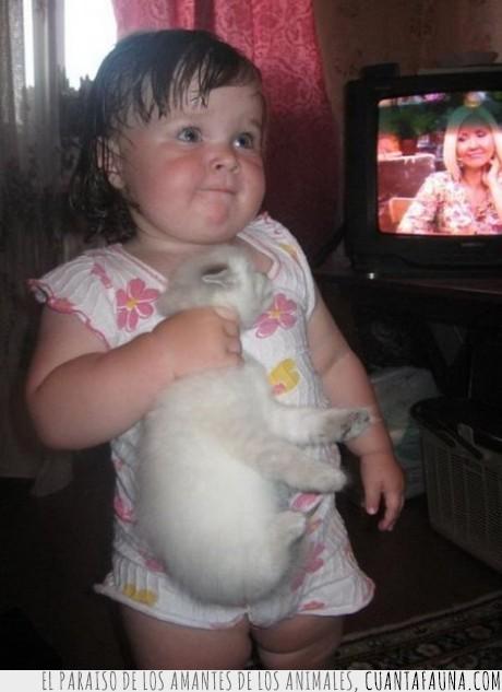 abuela,gato,niña,sálvame,tv