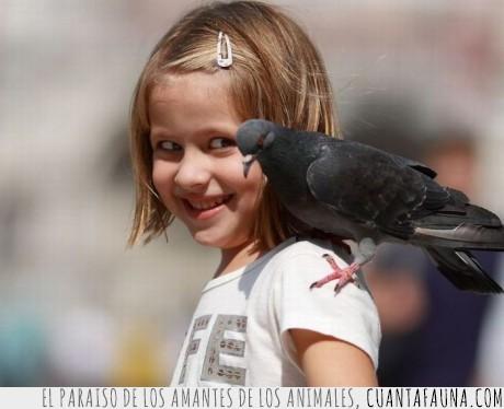 miedo,mirada,niña,paloma