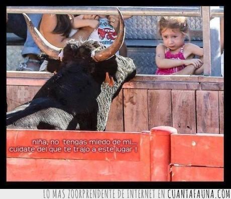 asustada,asustar,cuernos,miedo,niña,tauromaquia,toreo,torero,toro