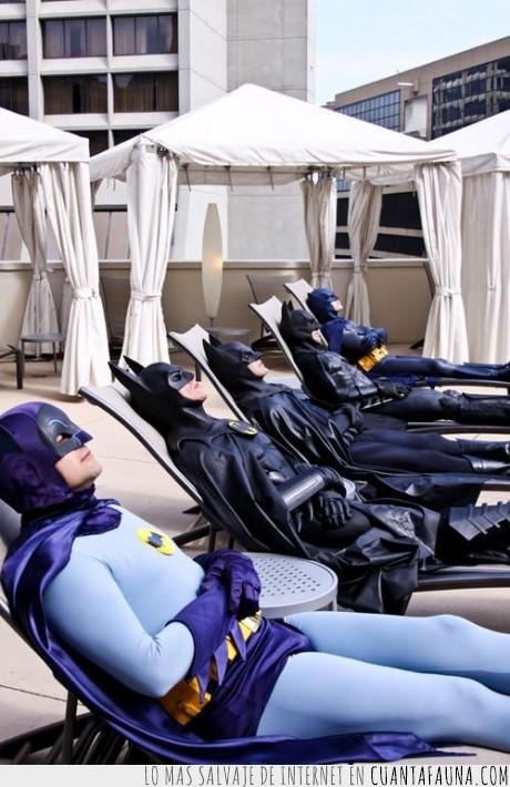 batman,descansar,hamaca,humor,murcielago,resort,robin