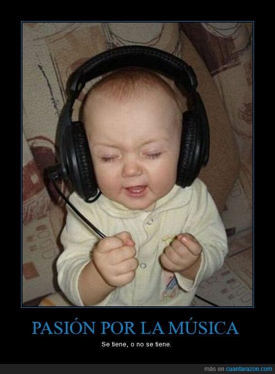 bebé,cascos,música