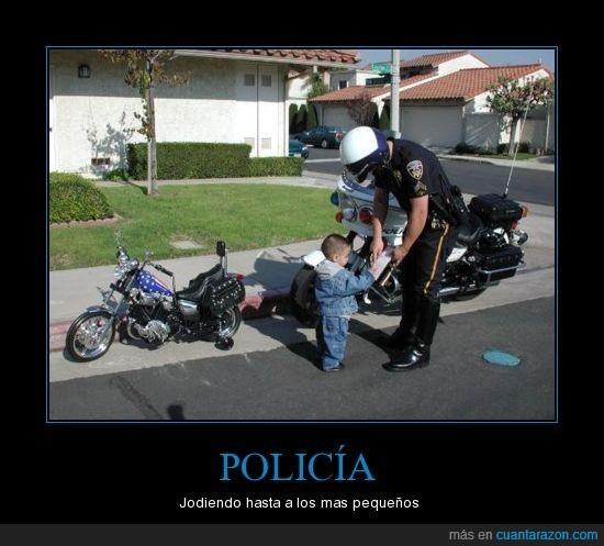 multa,niño,poli