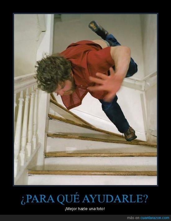 ayudar,caida,escaleras,katapumchimpum