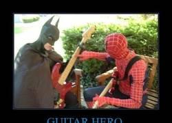Enlace a GUITAR HERO