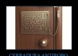 Enlace a CERRADURA ANTIROBO