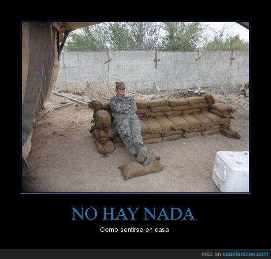 barricada,casa,ejército,sacos,soldado,zanjas