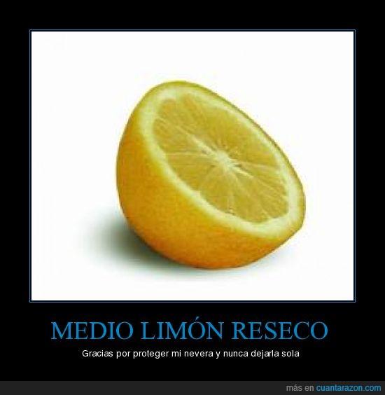 limón,medio,nevera,reseco