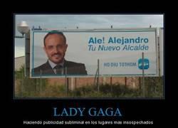 Enlace a LADY GAGA