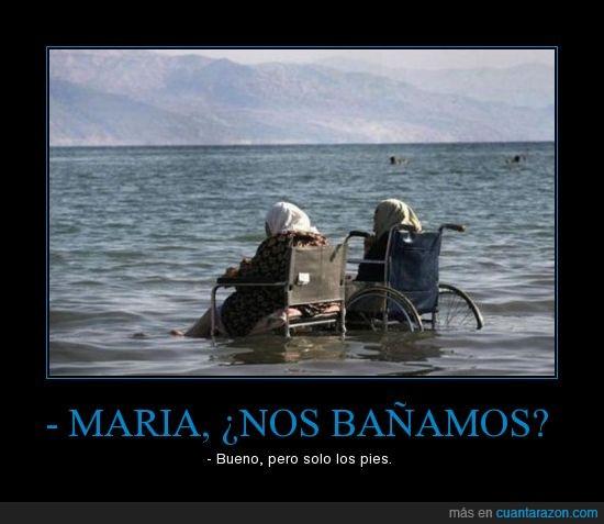bañarse,maria,pies,playa,silla de ruedas
