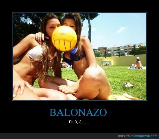 balón,cesped,chicas,hostia,piscina