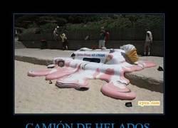 Enlace a CAMIÓN DE HELADOS