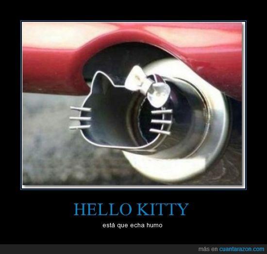 coche,hello kitty,humo,tubo de escape