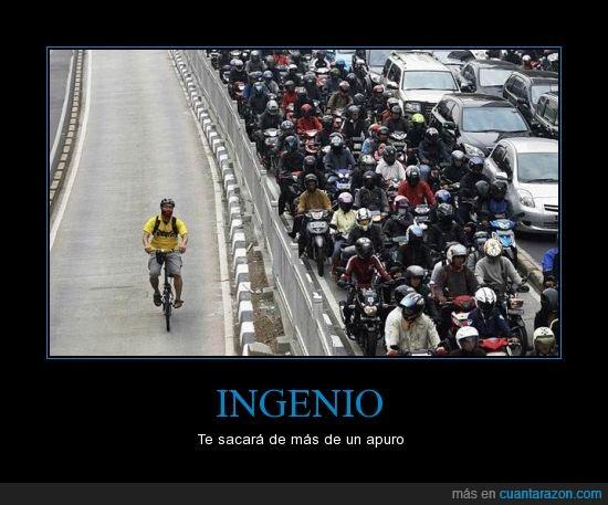 atasco,bici,coches,motos