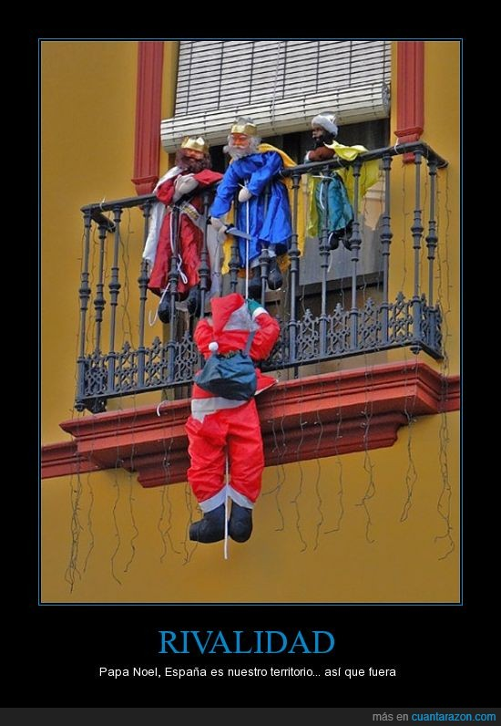 balcón,muñecos,papanoel,reyes magos