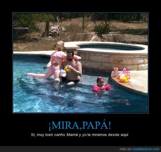 muñeca hinchable,niña,piscina