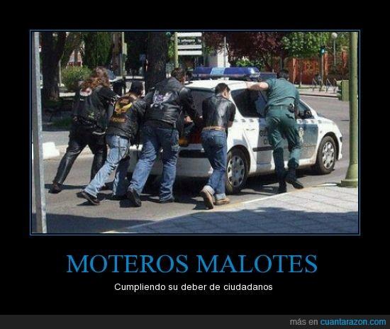 Guardia civil coche fail moteros heavys rockeros pintas lección moral