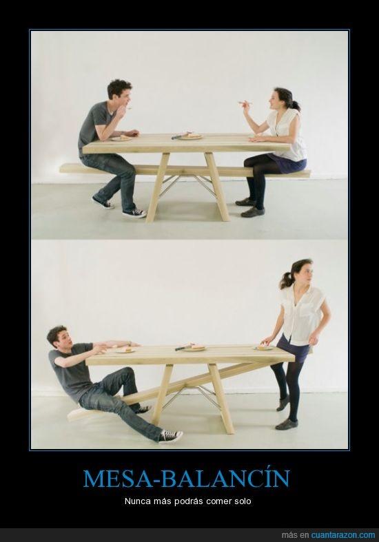 balancín,comer,mesa,pareja