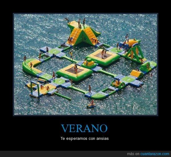 agua,columpio,gente,hinchable,playa,trampolin,verano